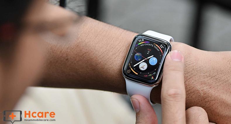 Nhận biết đúng trường hợp thay mặt kính cho Apple Watch Series 4
